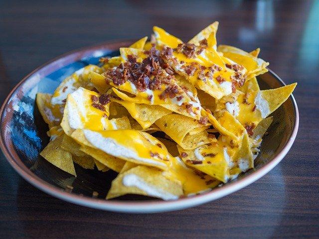 nachos med cheddarost